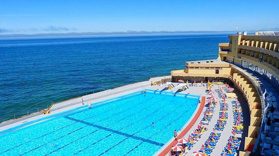 As 6 melhores piscinas oce nicas na regi o de lisboa for Piscinas sol