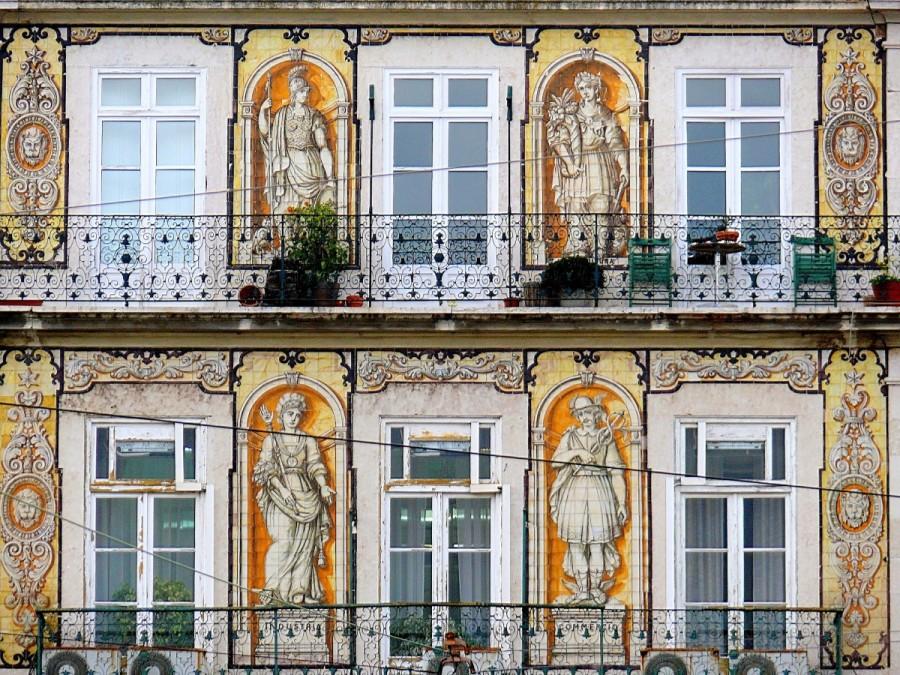 Os 8 mais belos edif cios sobreviventes ao terramoto de for Edificio de los azulejos