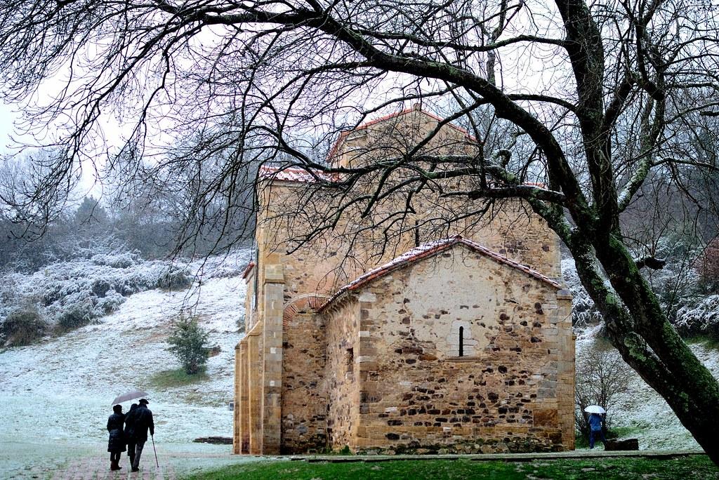 Igreja de San Miguel de Lillo