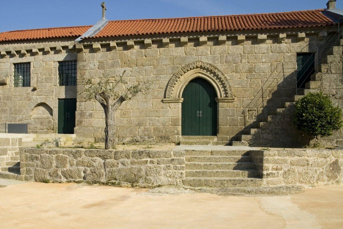 Igreja de São Miguel de Entre-os-Rios