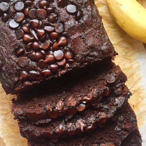 Bolo de banana e chocolate